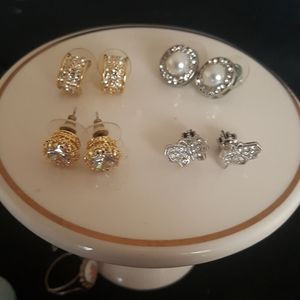 LOT OF GOLD TONE & SILVER TONE